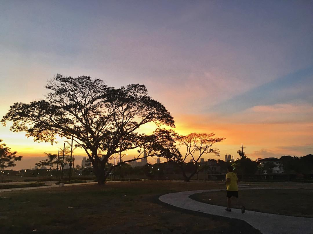 mckinley west park jogging taguig
